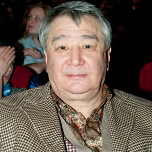 Alimzhan Tokhtakhunov